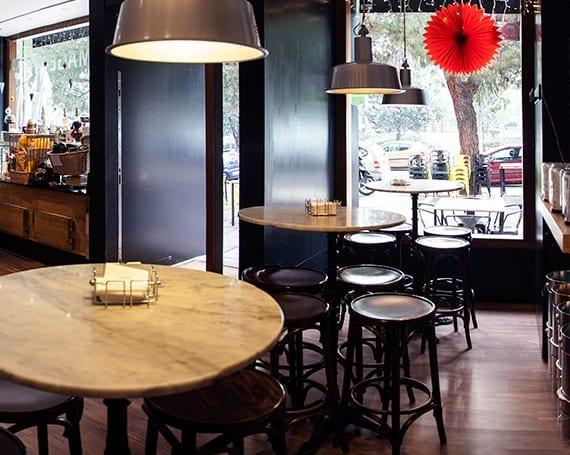 Cheese-Bar, barra, mesas-Los quesos de Lámélie