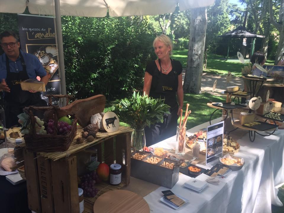 Presentando nuestros quesos en la residencia del Embajador de Francia
